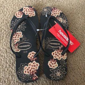 New Havaianas flip flops size 11 /12